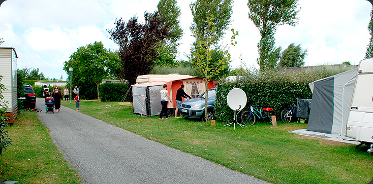 emplacements traditionnels dans le camping a saint-cast les blés d'or